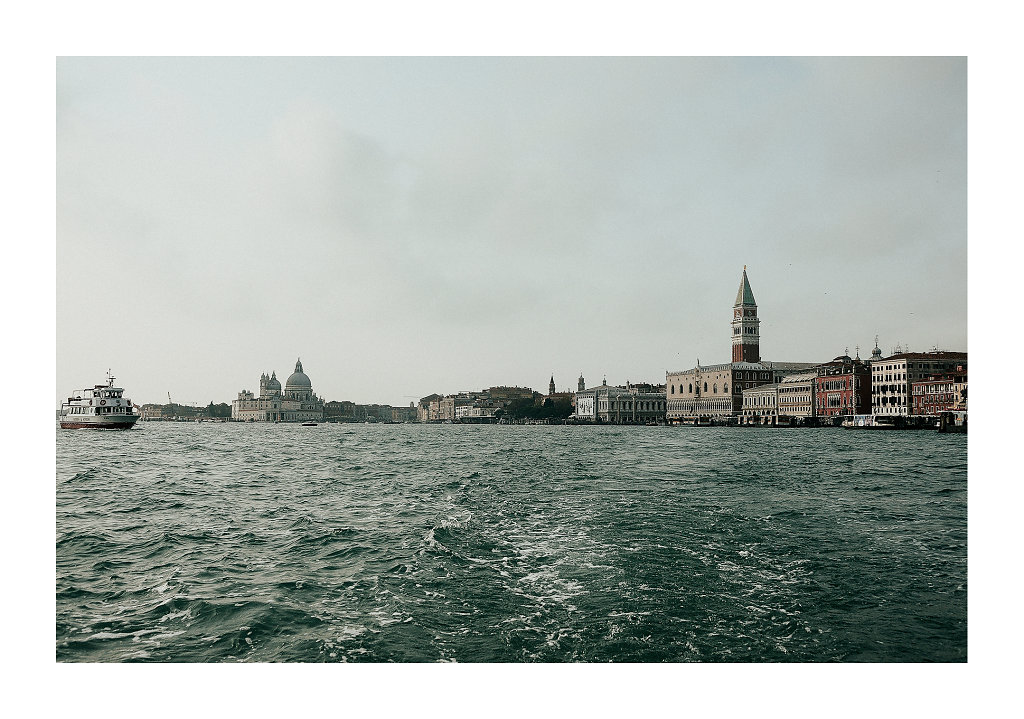 MDG2539-veniceout-1920-canv.jpg